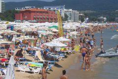 La plage bondée de Sunny Beach