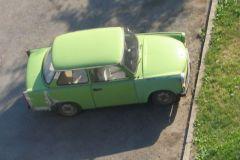 Une Lada verte