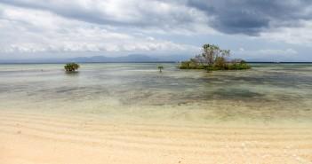 Plage deserte Nusa Lembongan Bali Indonesie