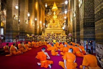 Celebration bouddhiste Wat Pho Bangkok Thailande