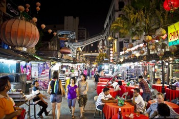 Rue animee Kuala Lumpur Malaisie