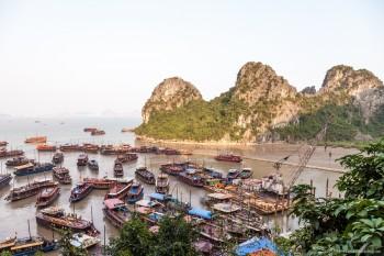 Bateaux sur la baie d'Halong, Vietnam