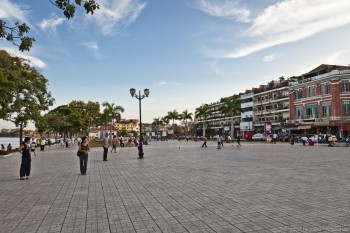 Centre de Phnom Penh, au bord du Tonle Sap, Cambodge