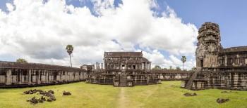 Panoramique intérieur d'Angkor Wat, Cambodge