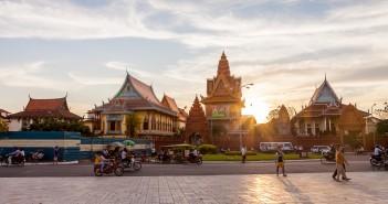 Place Tonle Sap Phnom Penh Cambodge