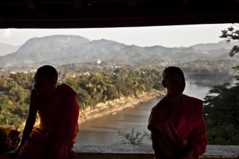 Monks mont Phou Si Riviere Nam Khan Luang Prabang Laos