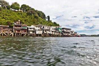 Les maisons sur pilotis de Kaw Thaung, Birmanie
