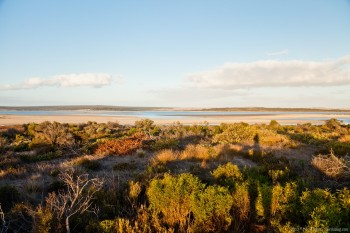 Lac, vu depuis la Flinders Highway