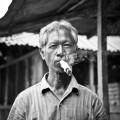 L'indonésien fumant