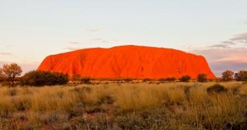 Uluru au coucher du soleil