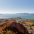 Townsville et Magnetic Island vus de Castle Hill