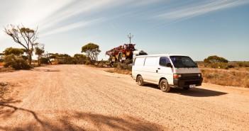 Le van sur une aire de repos, Nullarbor Plain