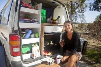 Réveil à l'arrière du van