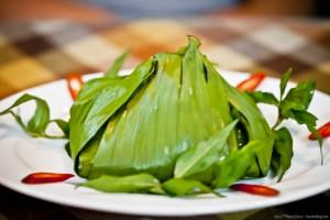 Plat cuit à l'étouffée dans une feuille de bananier, Nha Trang, Vietnam