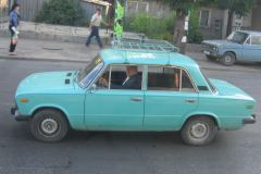 Je roule en Lada