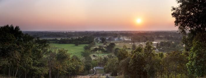 Panoramique lever soleil Sukhothai Thailande