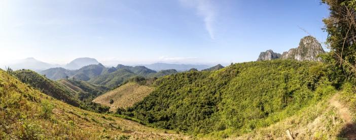 Panoramiques des montagnes près de Luang Prabang, Laos