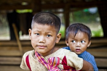 Petits frères, Hoify, Laos
