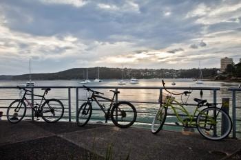 Vélos sur l'esplanade de Manly